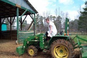 __480_317_Austin Tractor